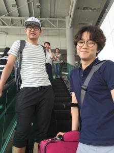 Jisoo & Sooguen seeing me off in Seoul Station